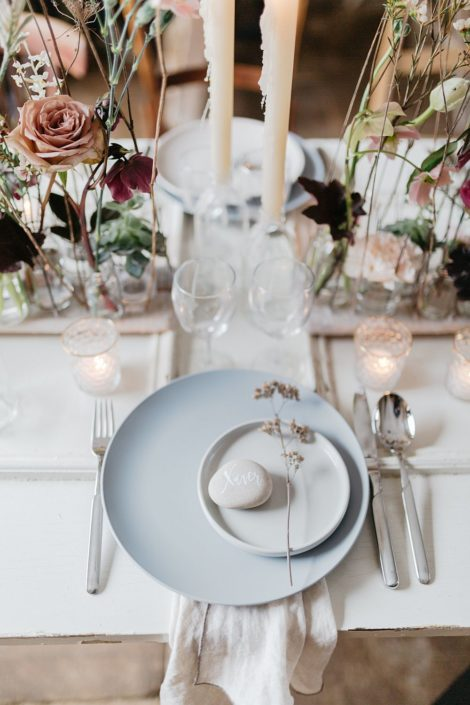 Moderne Kalligrafie, Handlettering Ute Schmidt: Hochzeitstafel mit Gedeck